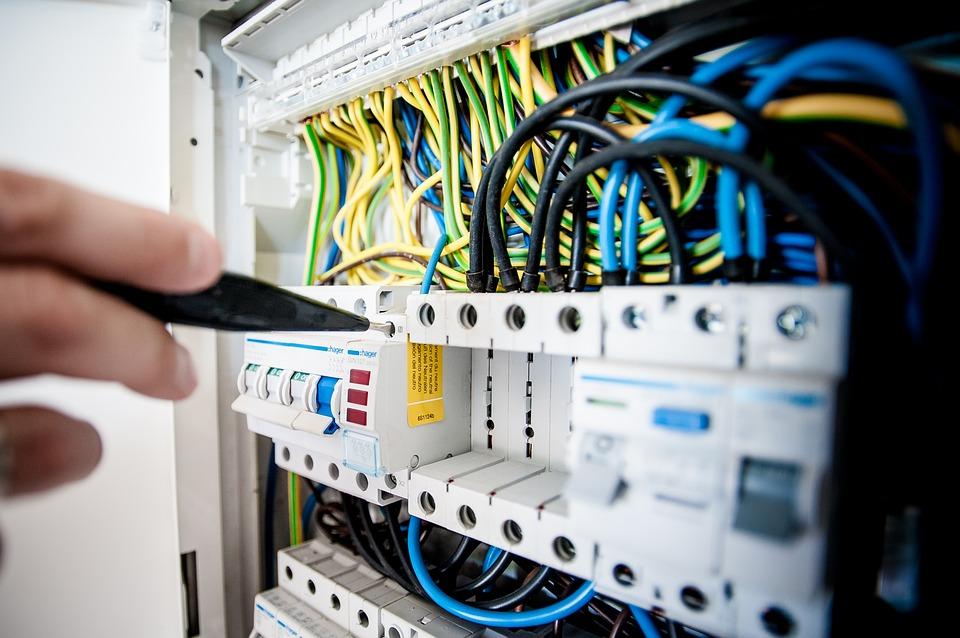 Nouvelles modalités pour l'exécution des opérations sur les installations électriques