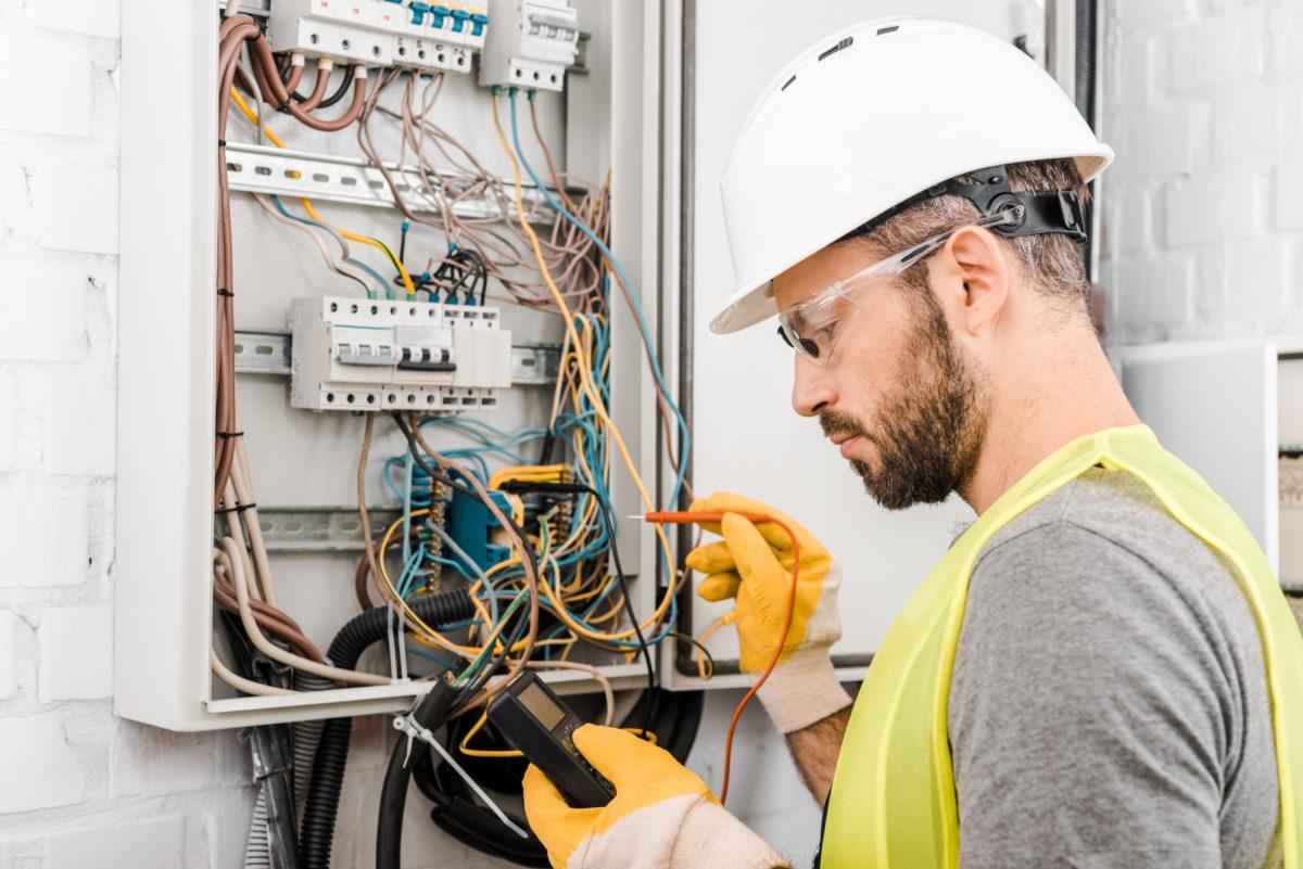 Les démarches essentielles pour prévenir le risque électrique